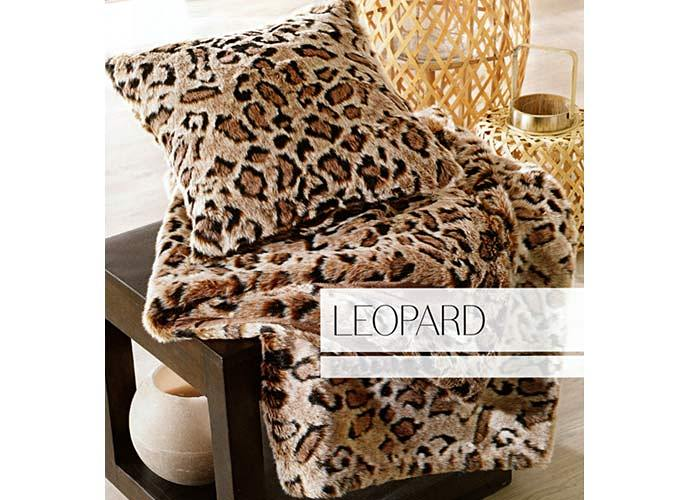 jet de lit couvre lit fausse fourrure leopard grand. Black Bedroom Furniture Sets. Home Design Ideas