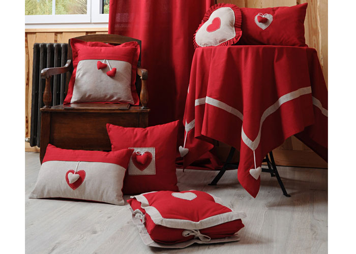 galette de chaise joliesse rouge coeur cru coussin de chaise rouge. Black Bedroom Furniture Sets. Home Design Ideas