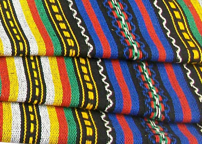 tissu pour poncho mexicain multicolore vendu au m tre tissu mexico. Black Bedroom Furniture Sets. Home Design Ideas