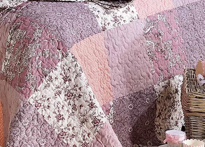 achat couvre lit patchwork Couvre lit Boutis ZOE rose patchwork romantique 180x240 cm pour  achat couvre lit patchwork