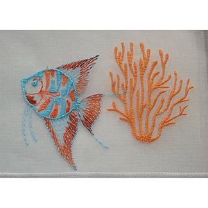 Petit rideau blanc brodé motif poisson et branche de corail