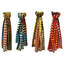 Echarpe à rayures horizontales multicolores