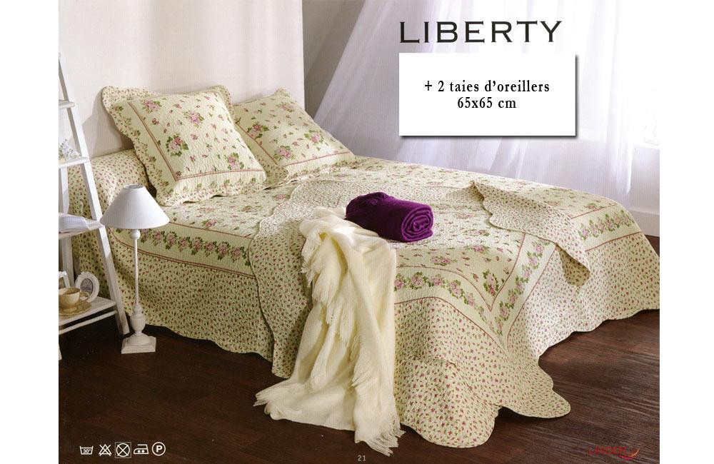 Couvre lit boutis liberty 230x250 motif fleuri sur fond for Royal tiss boutis